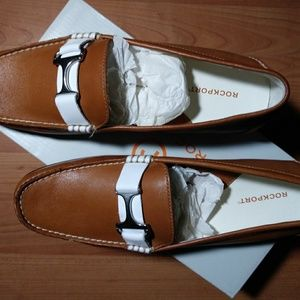 NIB STUNNING ROCKPORT LEATHER LOAFERS WOMAN'S 7.5